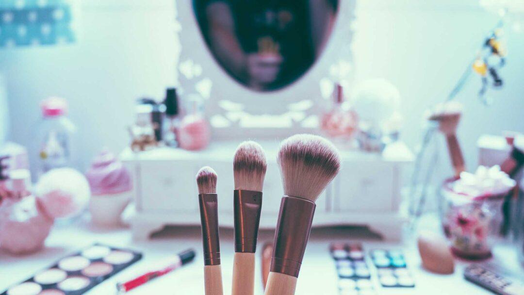 what is standard vanity mirror height